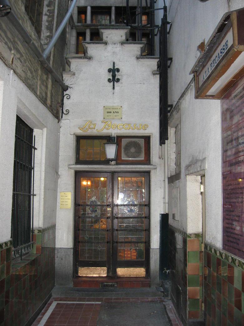 La Becasse entrance.