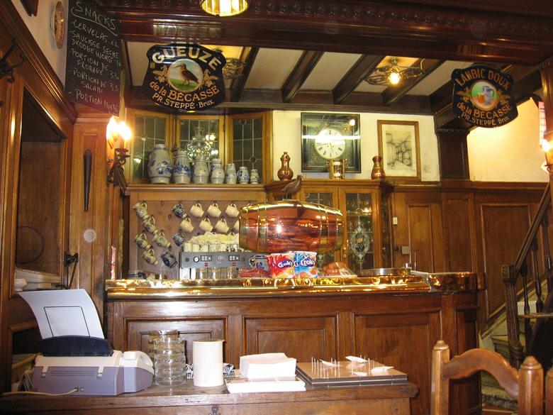 The bar LA bécasse