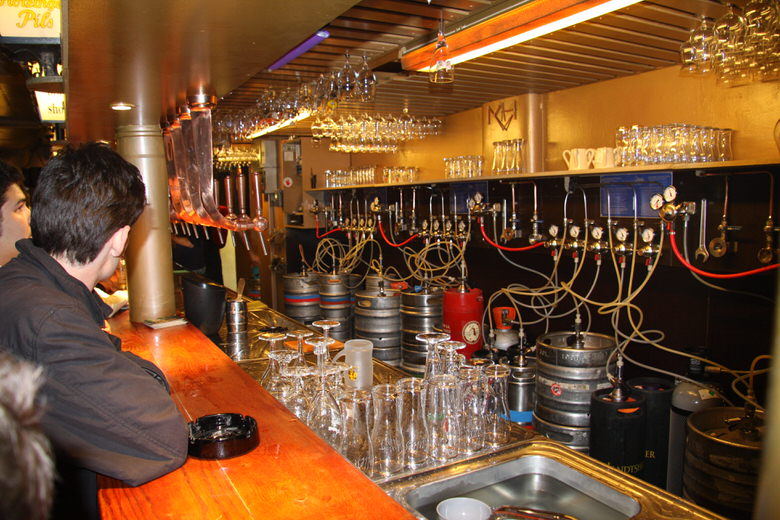 Delirium bar upstairs definitely specializes in draft beer