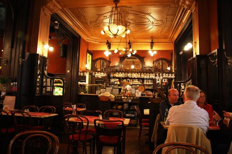falstaff bar