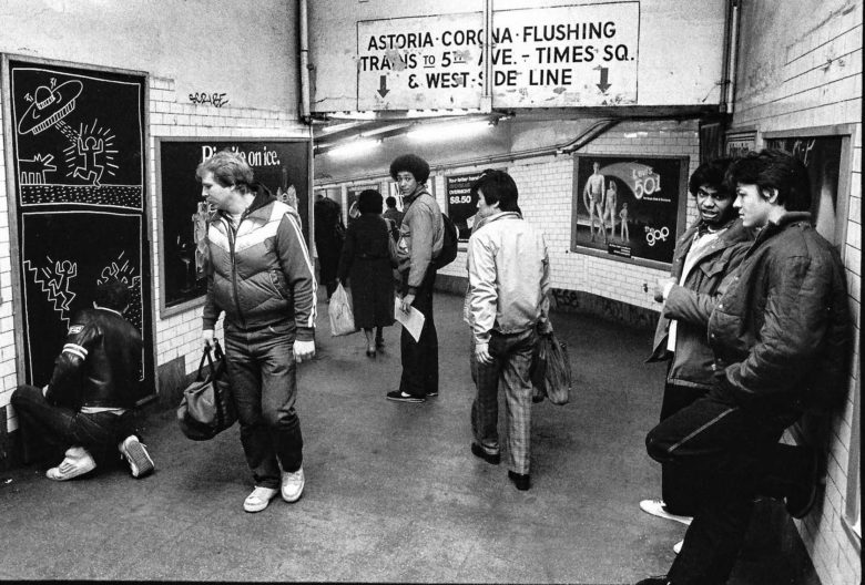 Keith Haring Drawing in Subway Station of New York early oin his career
