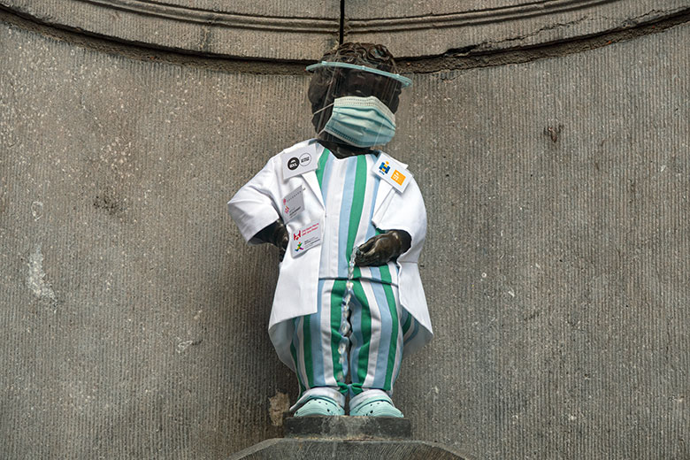 Manneken pis healthcare worker outfit
